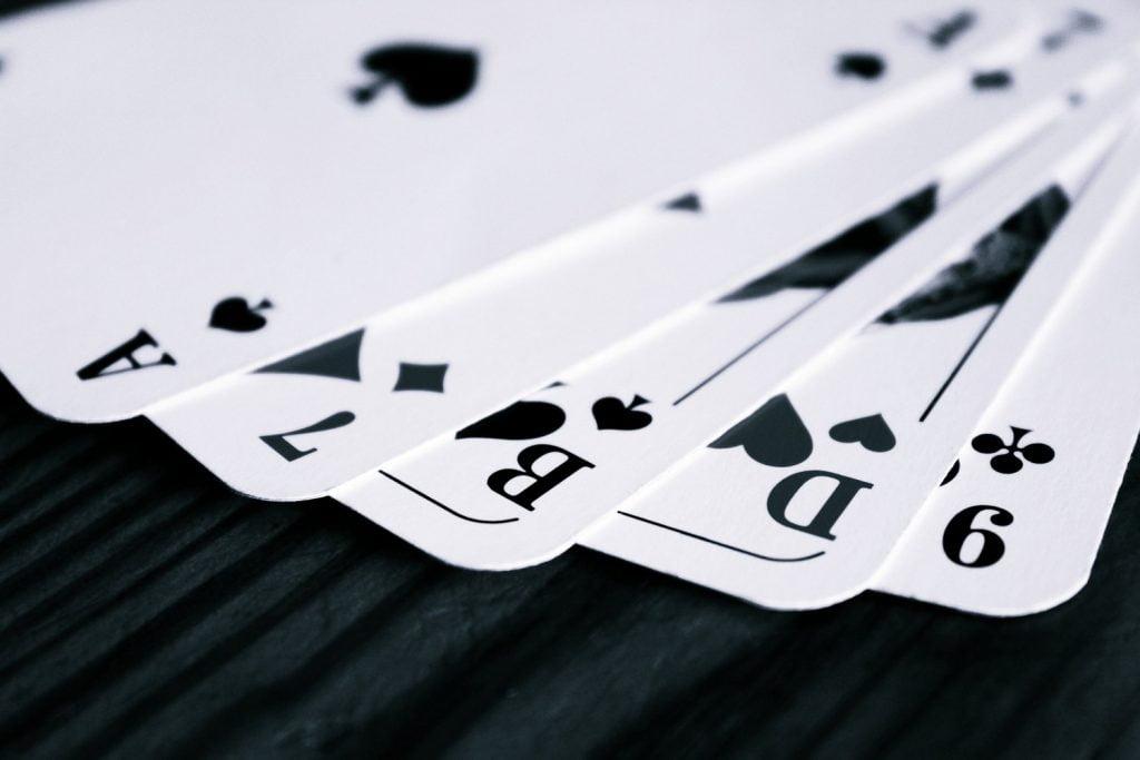 Pasianssi Vapaakenttä – Kuinka pelata tätä viihdyttävää korttipeliä
